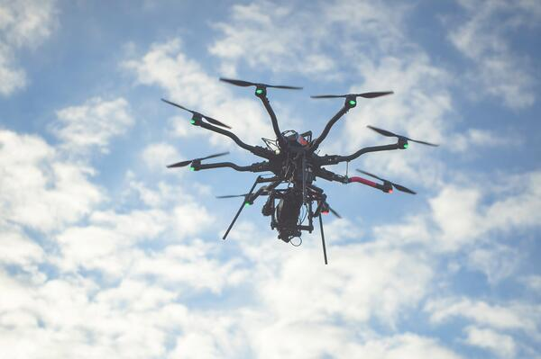How to become a heavy lift drone pilot